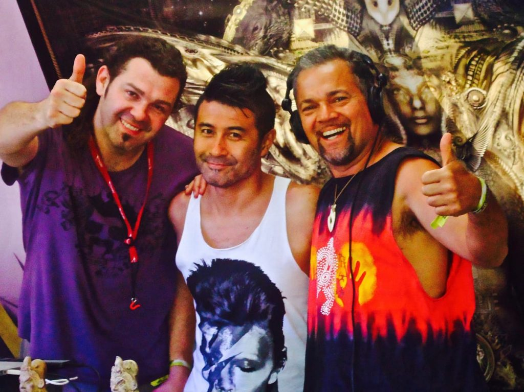 Australian Eclipse Festival 2012 ( Australia ) - Seb Taylor, Tsuyoshi, Chris Deckker